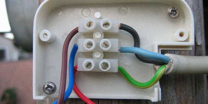 цвет проводов в электропроводке 220